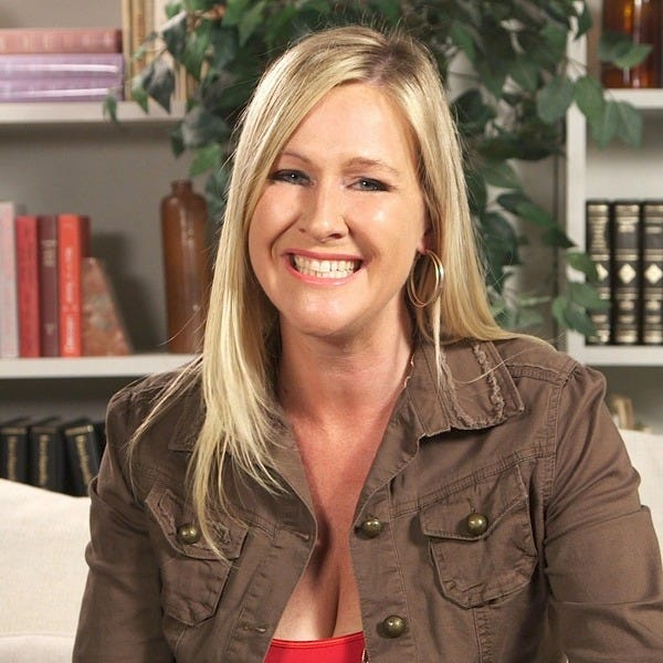2a7d8c1f05628 Orange County native Veronica Hill is the writer and host of California  Travel Tips, a YouTube travel series with over 25 million views and 25,000  ...