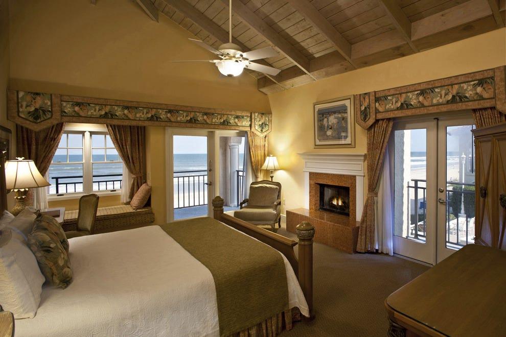 维德拉桥海滩的旅馆和俱乐部