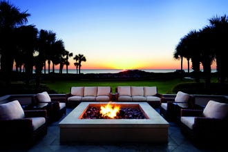 Southern Sophistication Sets the Scene for Your Next Romantic Escape in Jacksonville