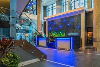 Hotel Blu Vancouver Offers Luxury, Sustainability and Technology