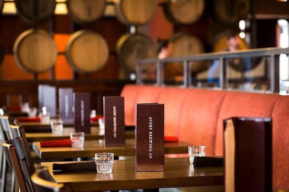 艾弗里优雅的新餐厅盛装邀请您尽情享用