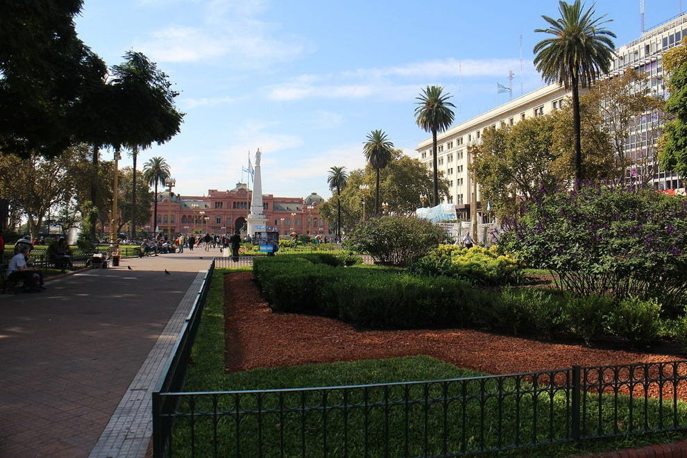 One view of the Plaza de Mayo
