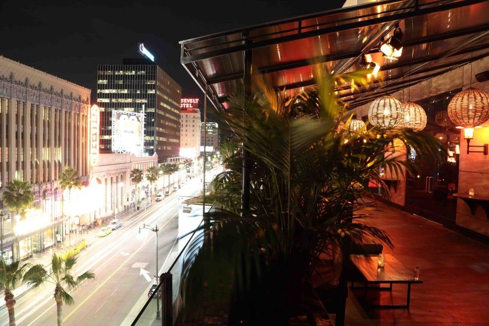 Ohm Nightclub Lights Up Hollywood