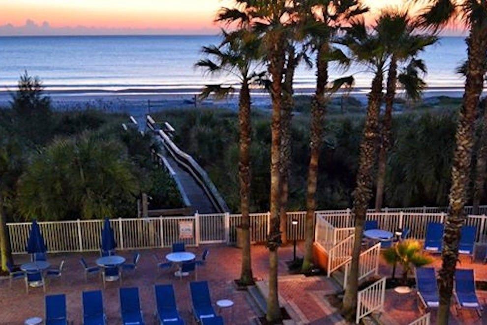 希尔顿可可海滩海滨逸林酒店