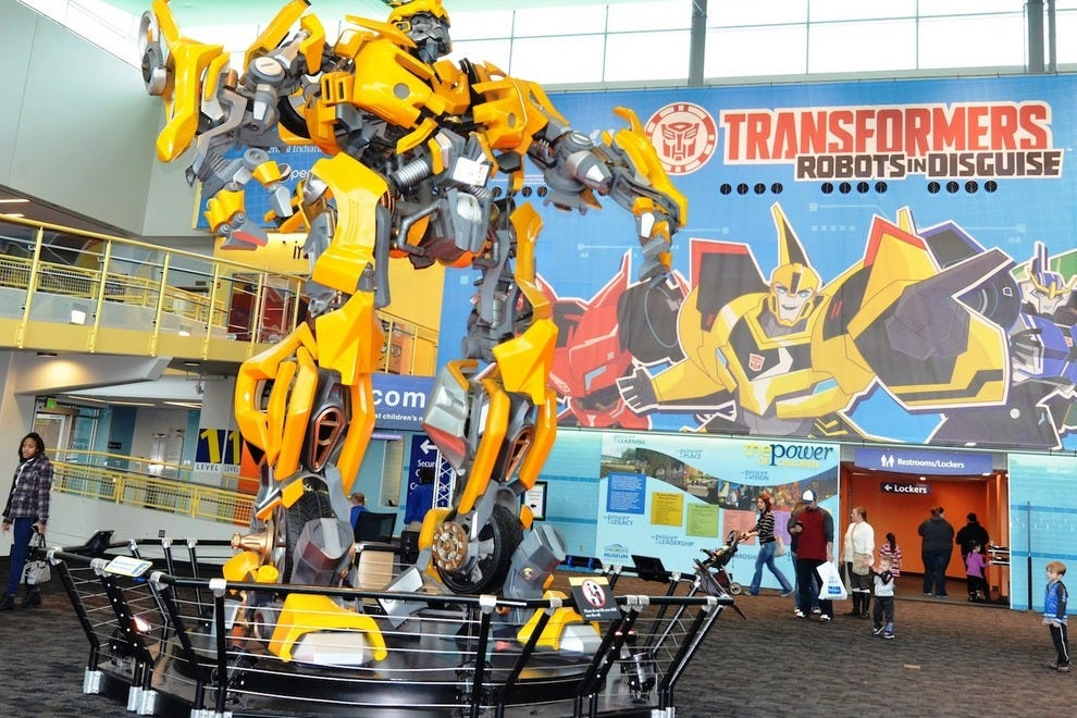 Gigantic Bumblebee gives an exciting welcome to The Children's Museum of Indianapolis