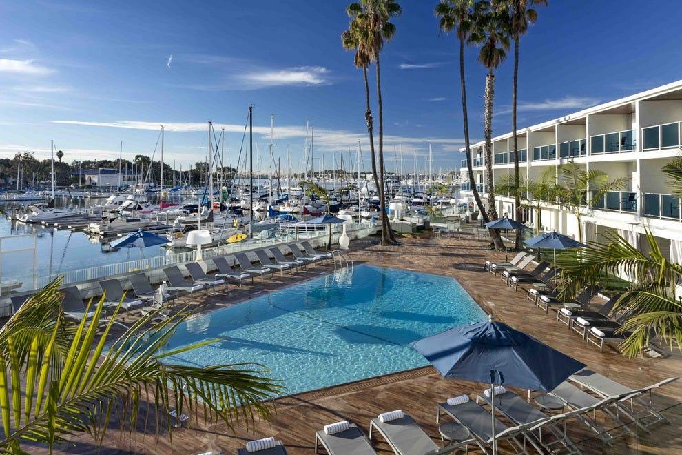 Los angeles 39 marina del rey hotel begins again - Best hotel swimming pools in los angeles ...