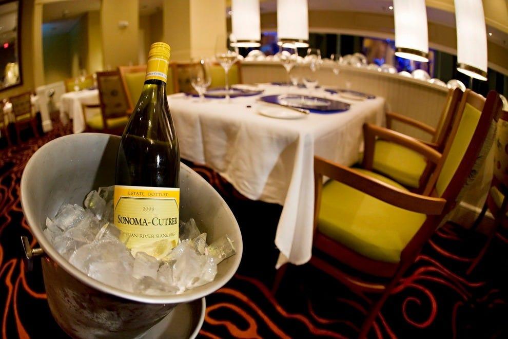 还提供特色葡萄酒搭配菜单