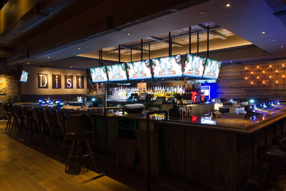 Man Cave Show Carleton Place : Las vegas sports bars best sport bar grill reviews