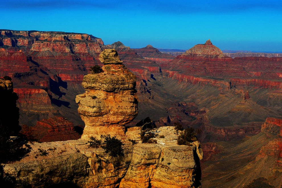 Roadtrip through one of the U.S. national parks like the Grand Canyon