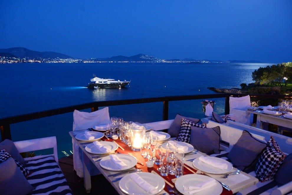 Restraunt Night Dunk Island: Island Club Restaurant: Athens Nightlife Review