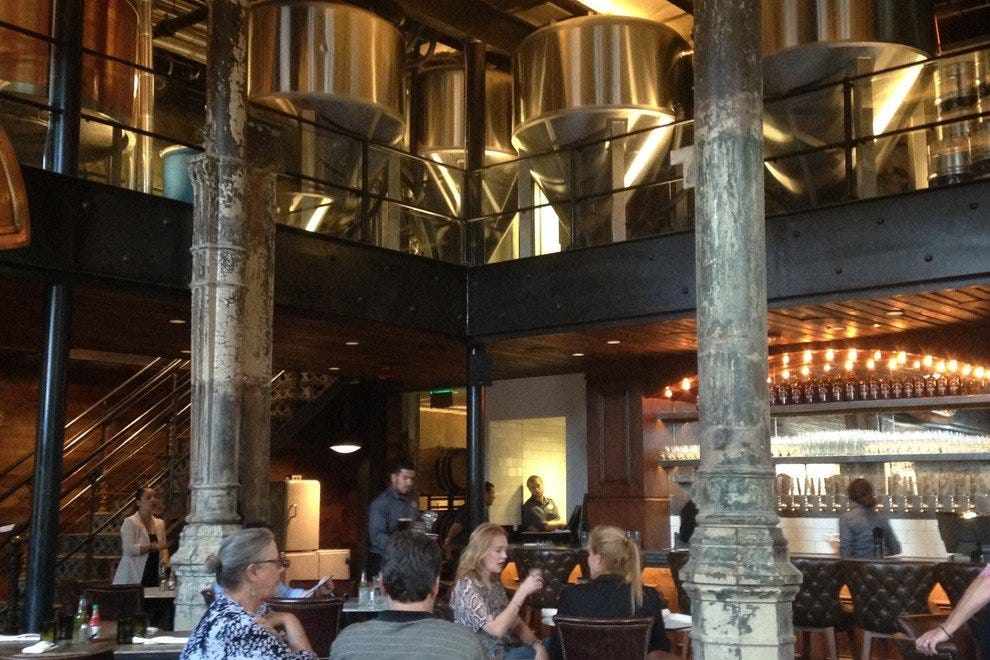 Restaurant Slideshow Family Friendly In San Antonio Southerleigh Fine Food And Brewery