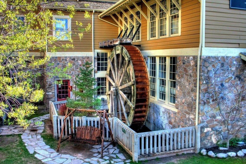 Gardner Village: Salt Lake City Shopping Review - 10Best Experts ... : gardner village quilt shop - Adamdwight.com