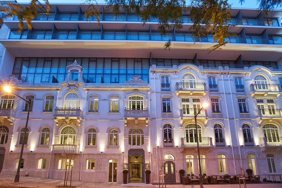 Hotel Porto Bay Liberdade's striking exterior, which combines an original early 20th-century façade with a contemporary new build