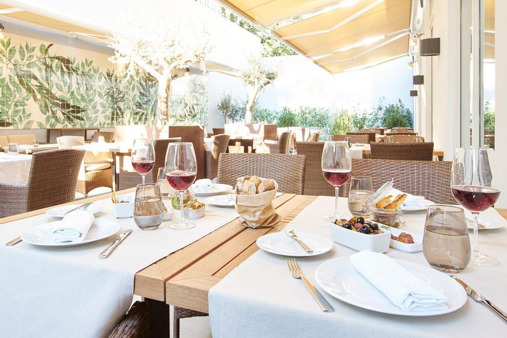 光线明亮、空气清新的小餐馆以一种独特的风格著称