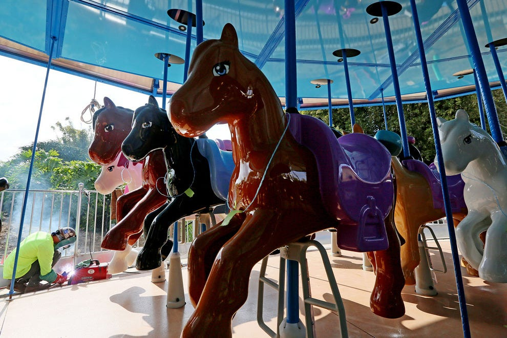 A new carousel at Heartlake City