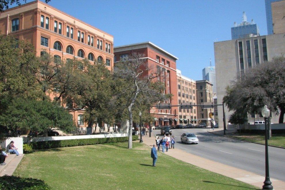 Attraction Slideshow: Best Attractions & Activities in Dallas