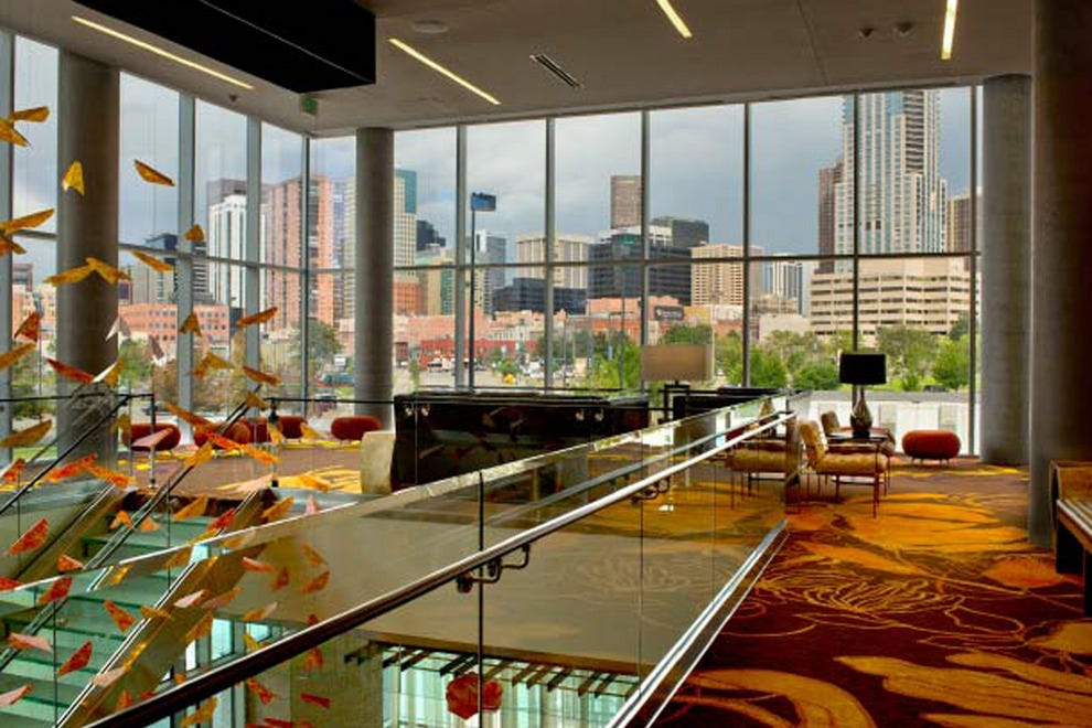 Hotels near Coors Field: Hotels in Denver