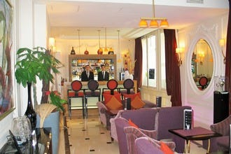 Villa Hôtel Majestic in Paris: Where Deluxe Rooms Are Suite-Sized