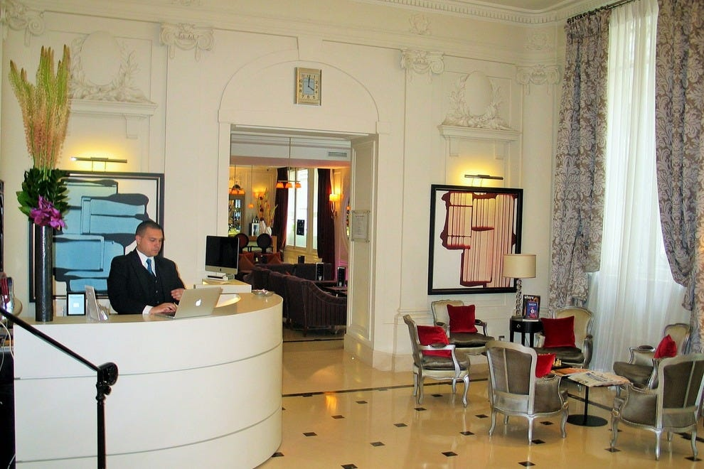 The lobby in Villa Hôtel Majestic