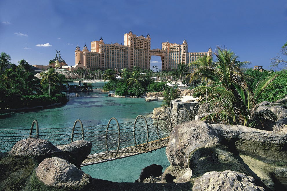 The rope bridge at Atlantis Paradise Island