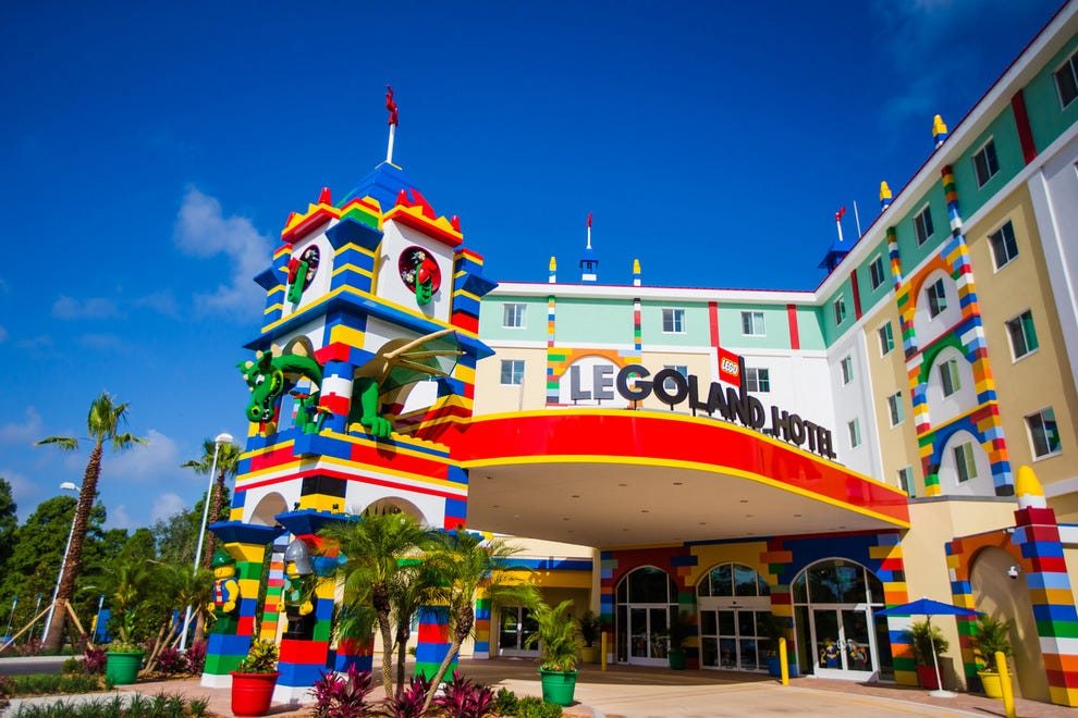 The Legoland Florida Hotel Entrance Is About A Minute S Walk From Park Photo Courtesy Of Chip Litherland Photography