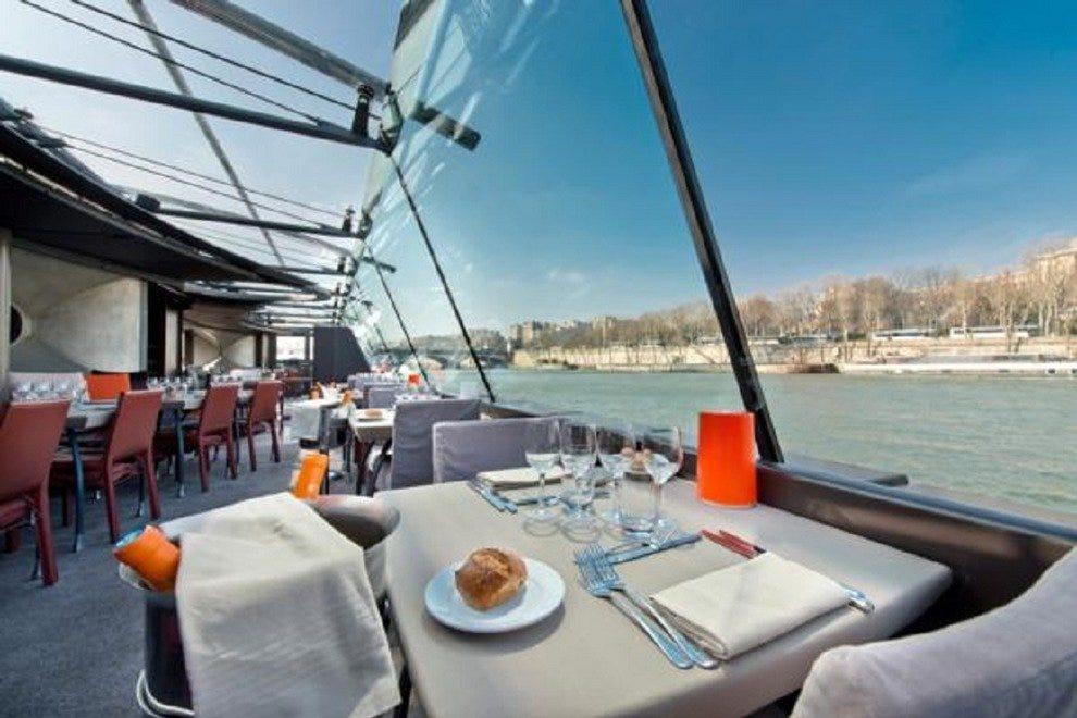 bateaux parisiens paris restaurants review 10best experts and tourist reviews. Black Bedroom Furniture Sets. Home Design Ideas