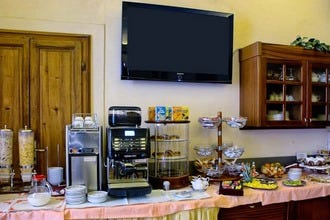 Stay on a Budget in Florence at Hotel Casci