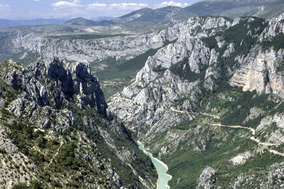 The Gorges du Verdon is filled with spots for hiking and watersports