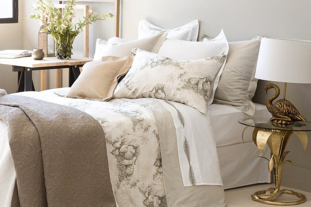 zara home paris shopping for housewares and linens shopping article by. Black Bedroom Furniture Sets. Home Design Ideas