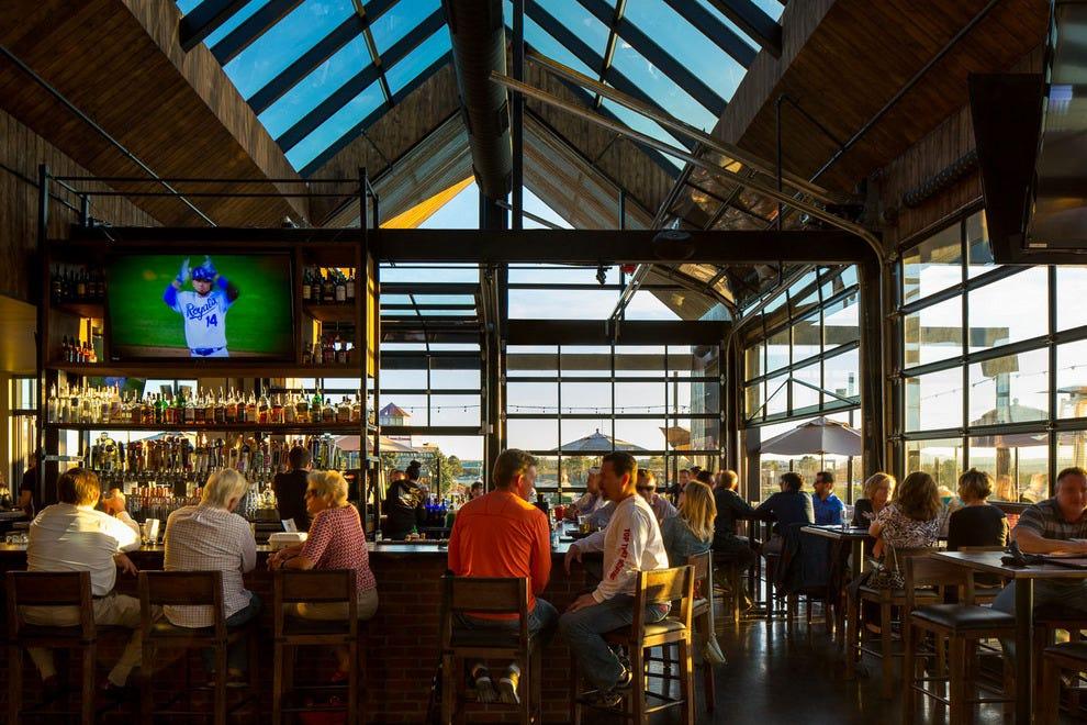 Chopper's Sports Grill: Denver Nightlife Review - 10Best ...