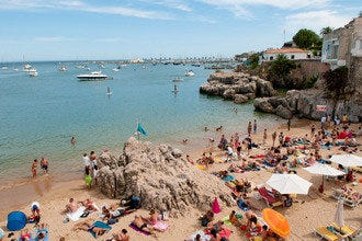 Lisbon Beaches: where to swim, surf and sunbathe near the city