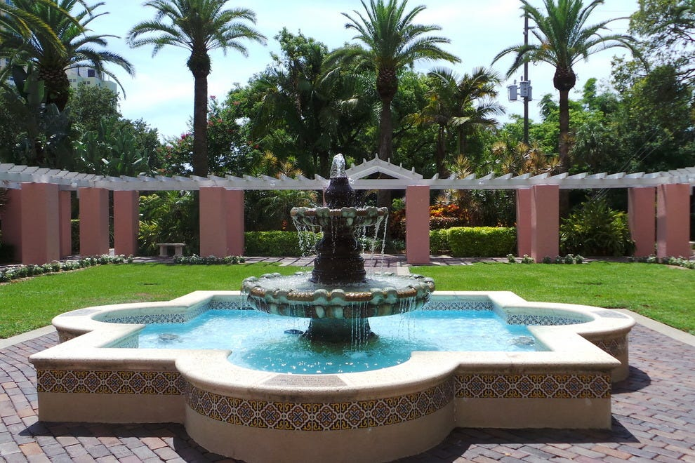 Courtyard fountain at The Vinoy