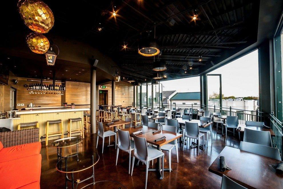 Terrace at the river inn memphis restaurants review for The terrace hotel restaurant