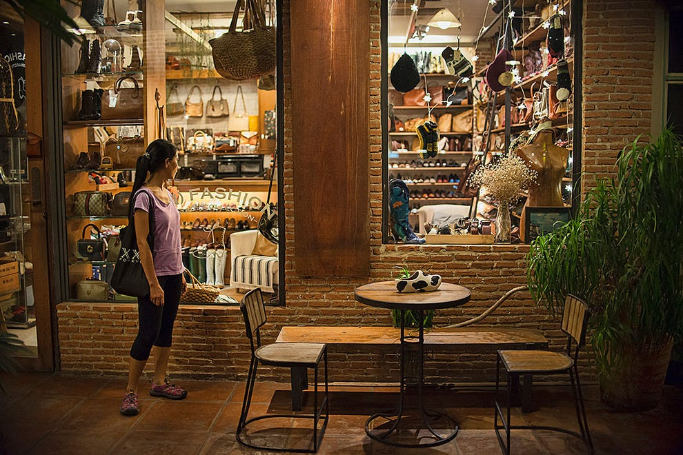 Restaurant near Park Central Hotel - Restaurants