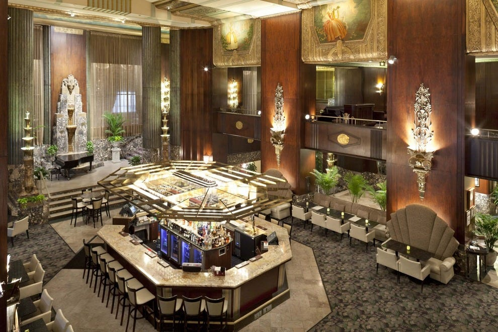 Cincinnati S Best Hotels Architectural Gemodern Luxury With Welcoming Service