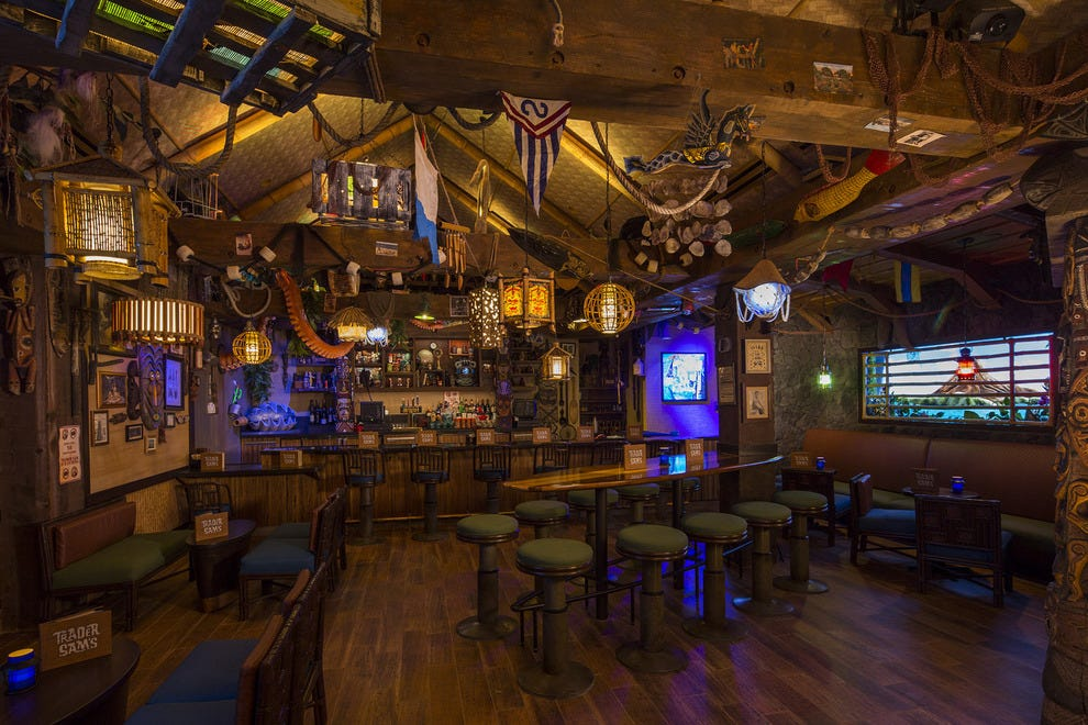 """Immersive"" is the word at Trader Sam's. Literally, if you order the aquarium-sized Uh Oa."