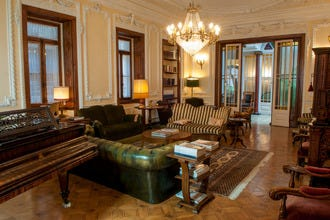 Palacete Chafariz D'El Rei: A Beautiful (and Beguiling) Lisbon Stay