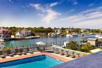 Shem Creek Inn