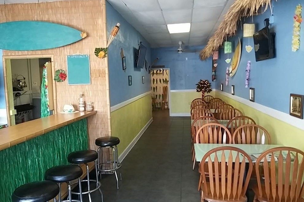 Inside Crackers Island Grille