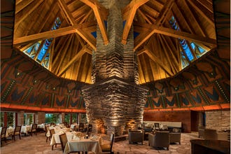 Frank Lloyd Wright Meets Nature at Nakoma Golf Resort