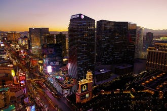 Las Vegas' Best Hotels Deal Out Style and Class