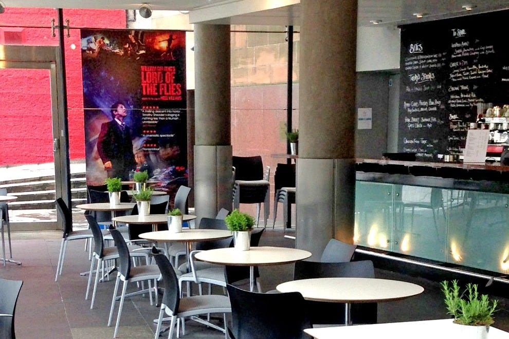 The bar at Edinburgh Festival Theatre