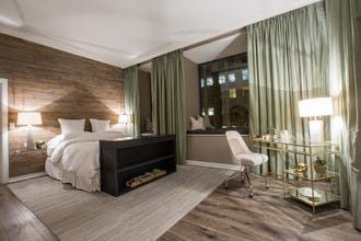 Serenity Now! Chicago Hotel Offers Sweet New Serenity Suite