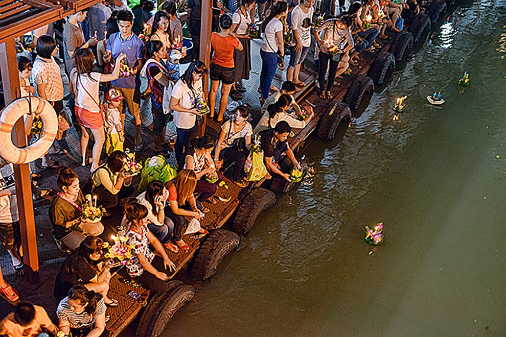 Floating krathongs in Bangkok