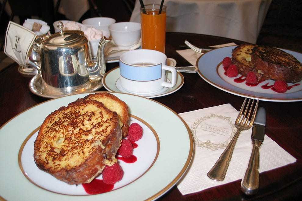 French toast à la Ladurée, served with rose-flavored whipped cream and raspberry coulis