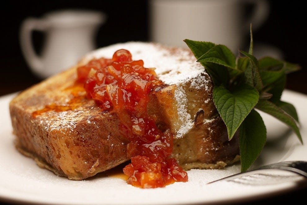 Guests savor tasty fare at any time of day, like this brioche French toast
