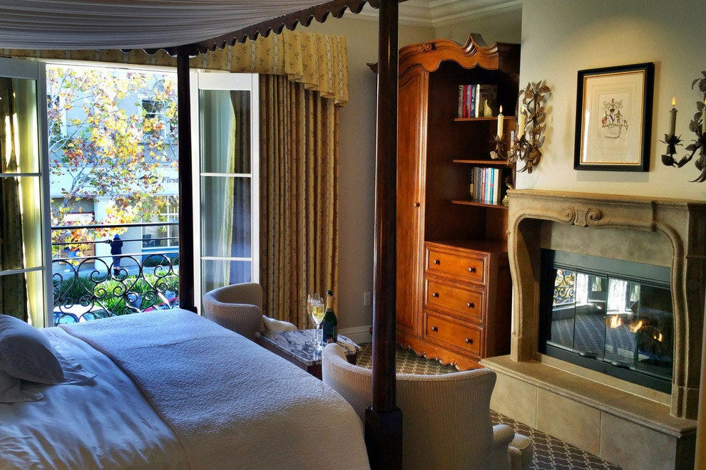 French Luxury in the Heart of Healdsburg