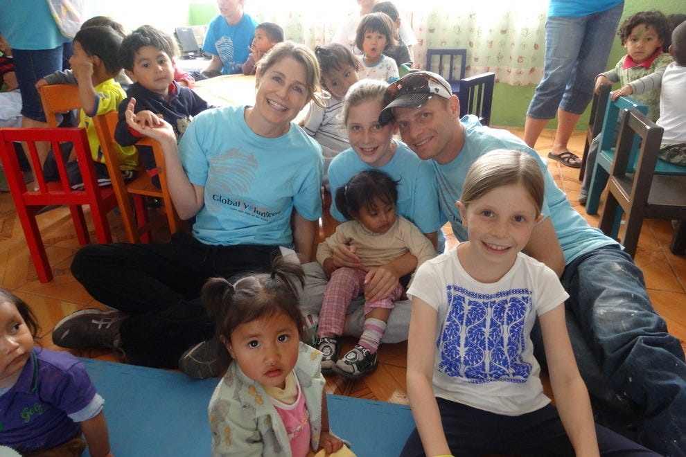 Family volunteering in Ecuador
