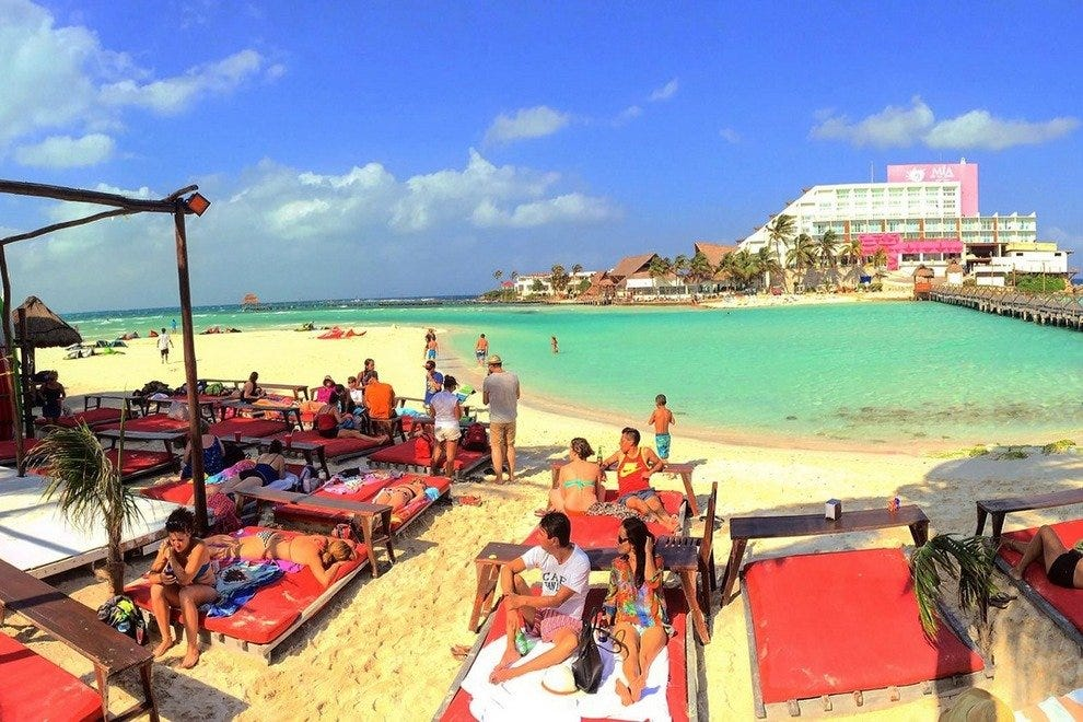 Fenix Lounge Restaurant & Beach Club