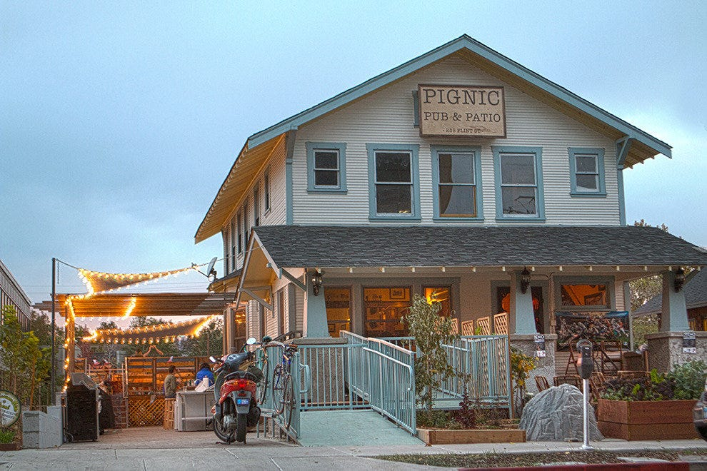 pignic酒吧和露台